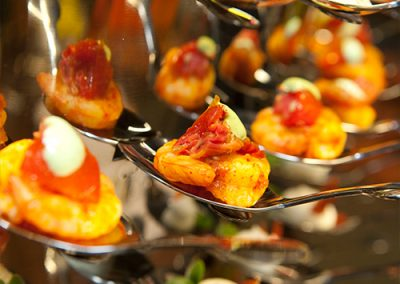 culinair hapjes eten food koud hapje vis scampi eten lekker walking dinner diner